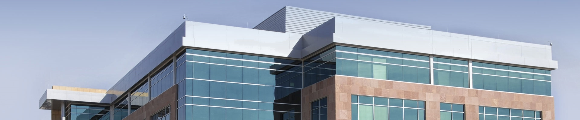 Not only in office buildings but also residential buildings the glass surfaces